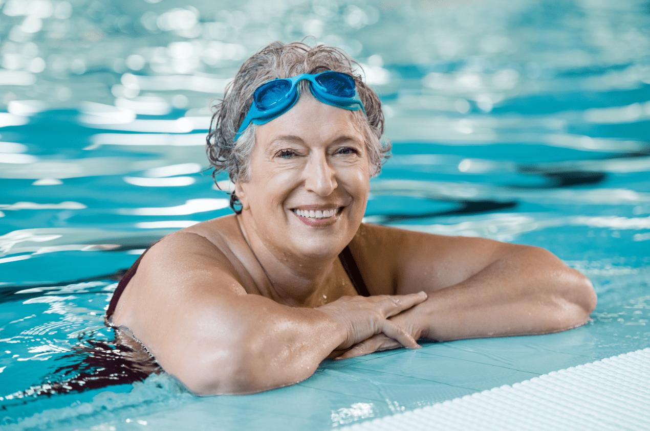 elderly-woman-in-pool-P2CCJGW